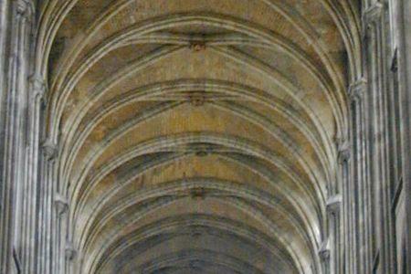 http://www.cathedrale-rouen.net/patrimoine/visites/plaquette/ressources/voute02.jpg